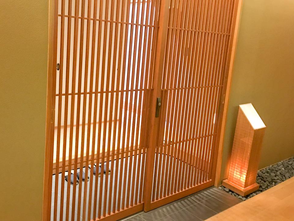 お部屋の玄関の写真