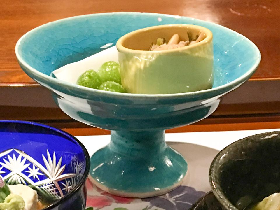 美しい青の器の写真