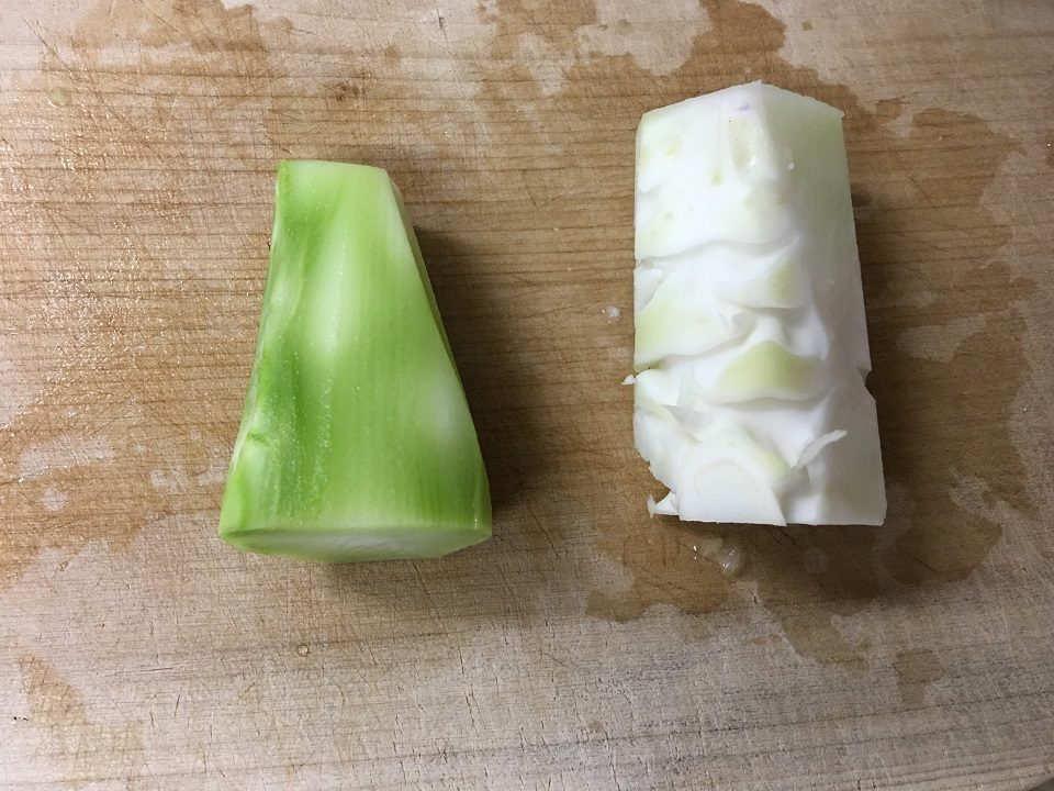 ブロッコリーとカリフラワーの茎の写真