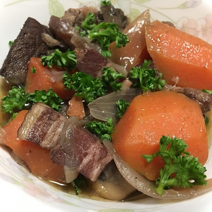 牛肉の赤ワイン煮の写真
