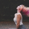 白髪染めをおしゃれにやめる!やめた55歳が美容師さんに聞いた!|ゴニョ研