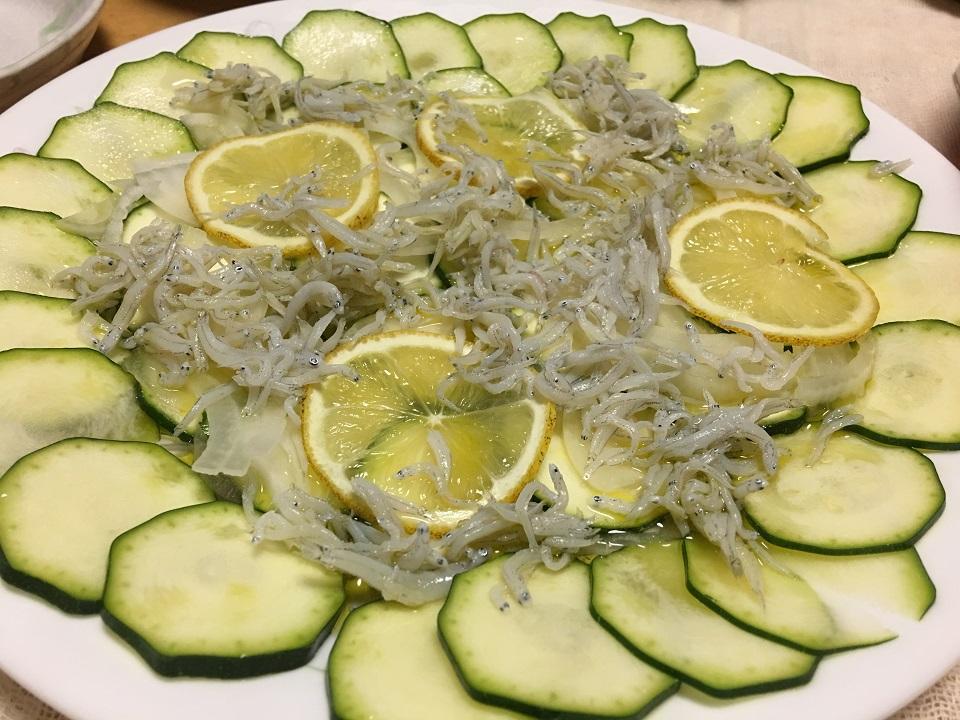 ズッキーニとしらすのサラダの写真