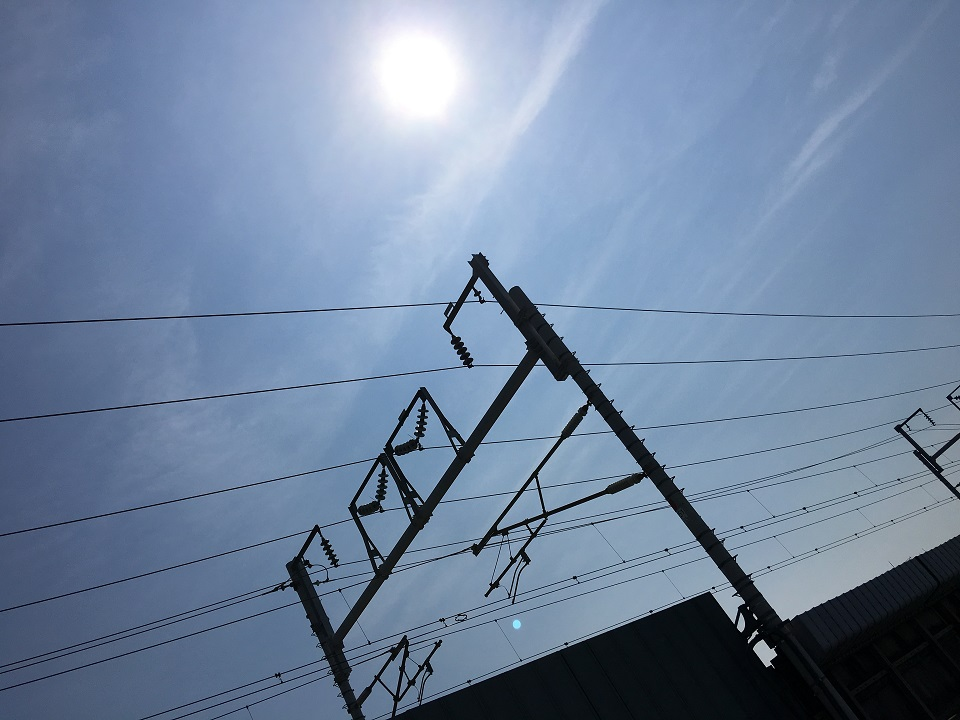 ギラギラの太陽の写真