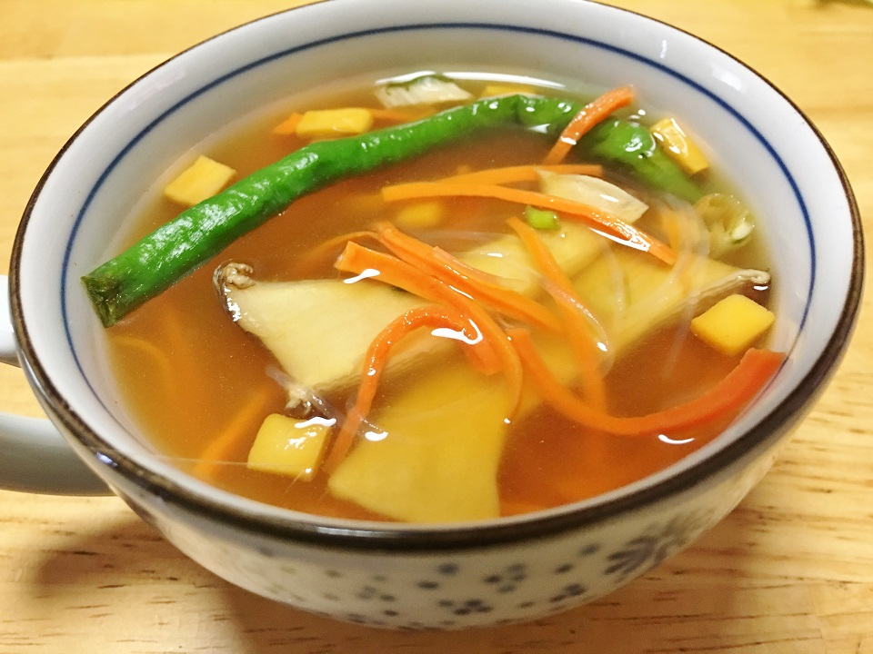 干し野菜の即席スープの写真