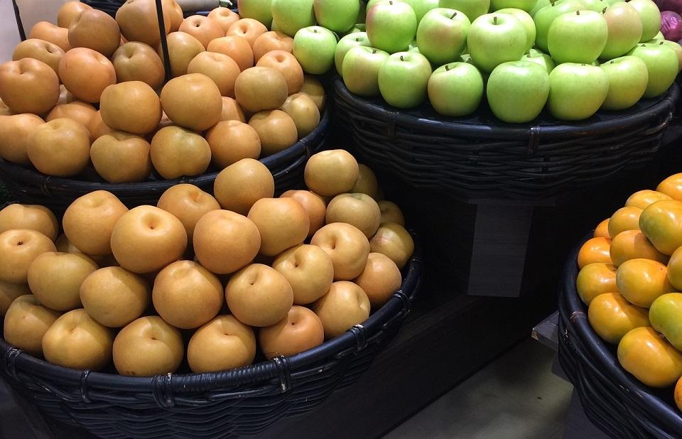 デパートの果物売り場の写真