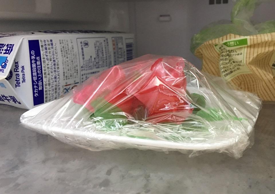 冷蔵庫の中の飴細工の写真