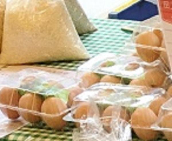 オーガニック夕暮れ市の卵の写真