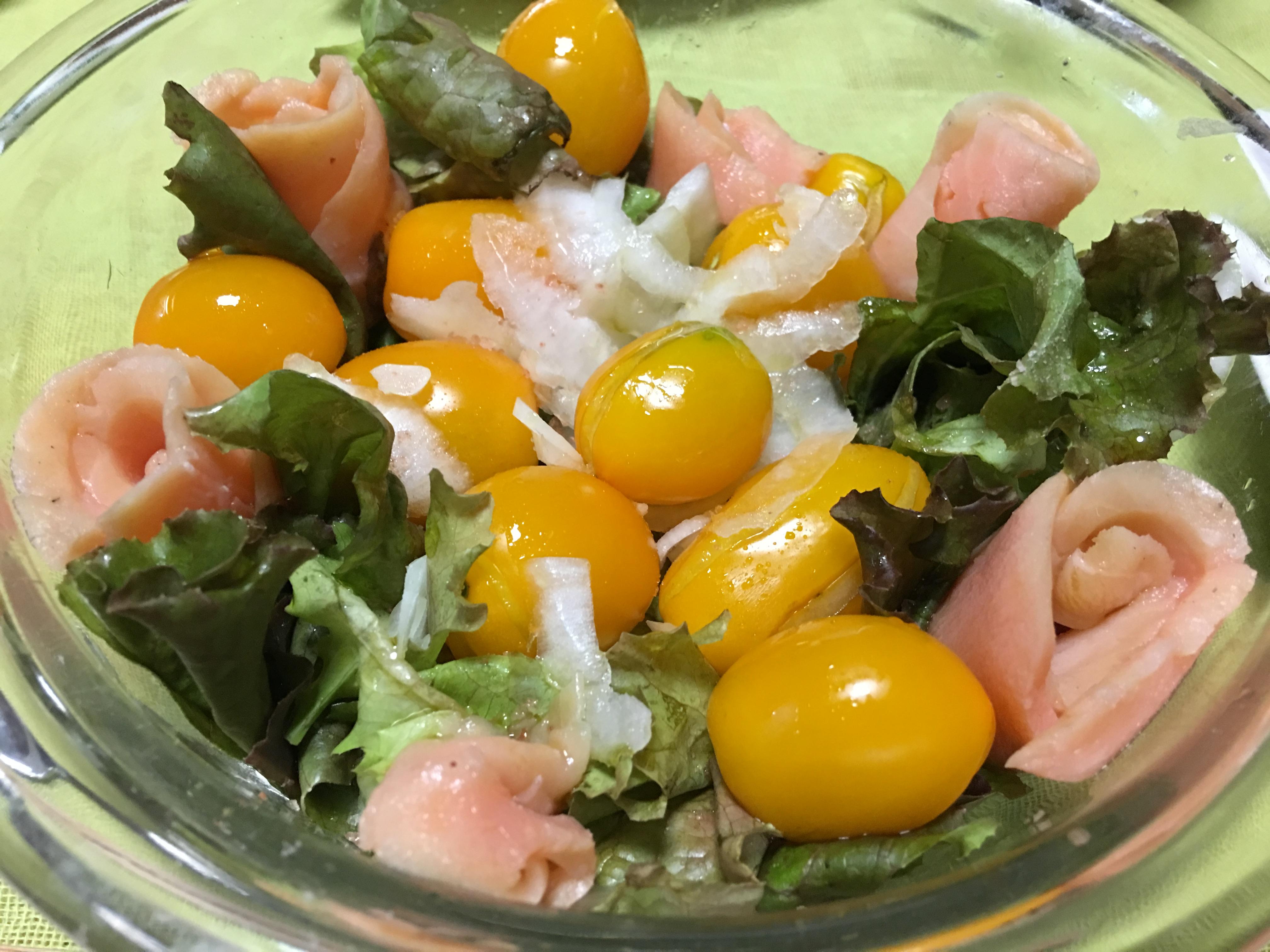 サーモンサラダの写真