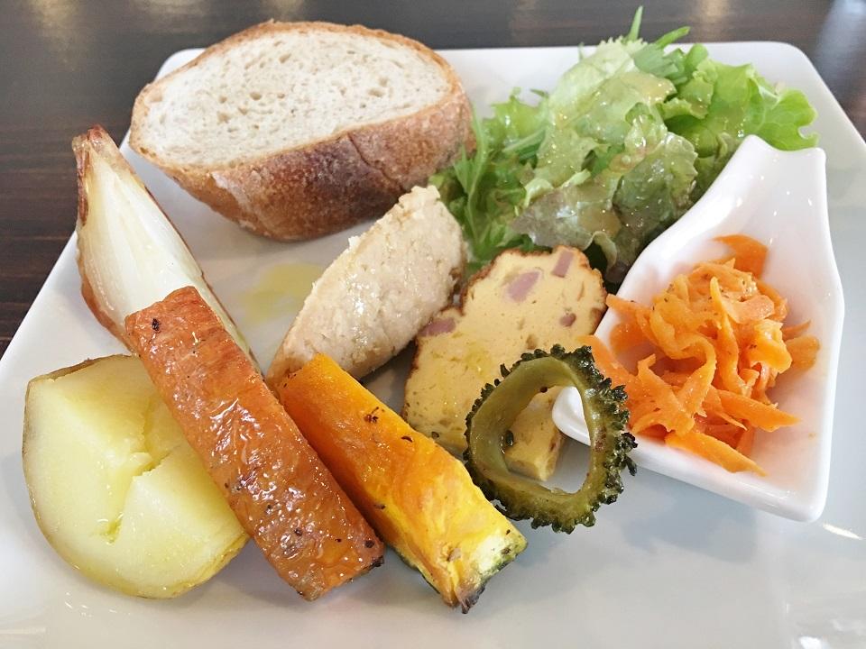 ラ・コミュニタのランチの前菜の写真