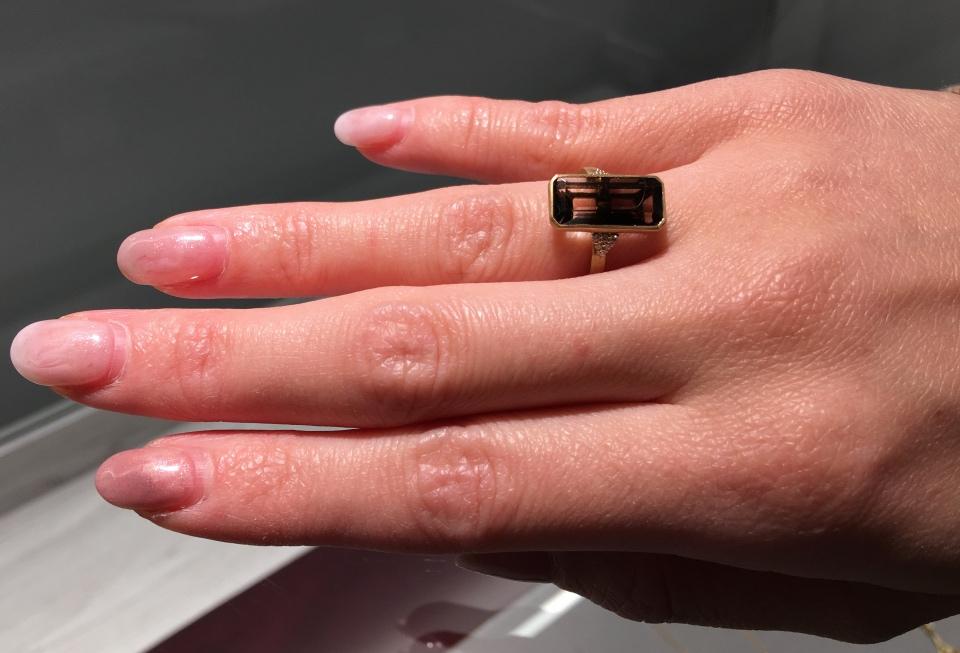 HASUNA のクオーツの指輪の写真