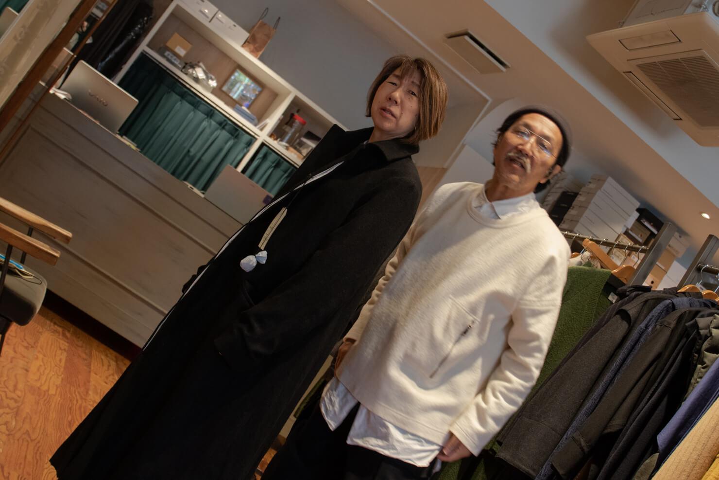 男物の渋いコート姿のガッツと浅田さんの写真