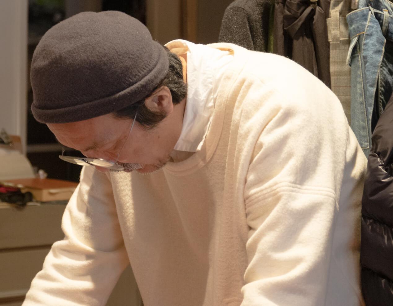 浅田さんがショックを受けている写真