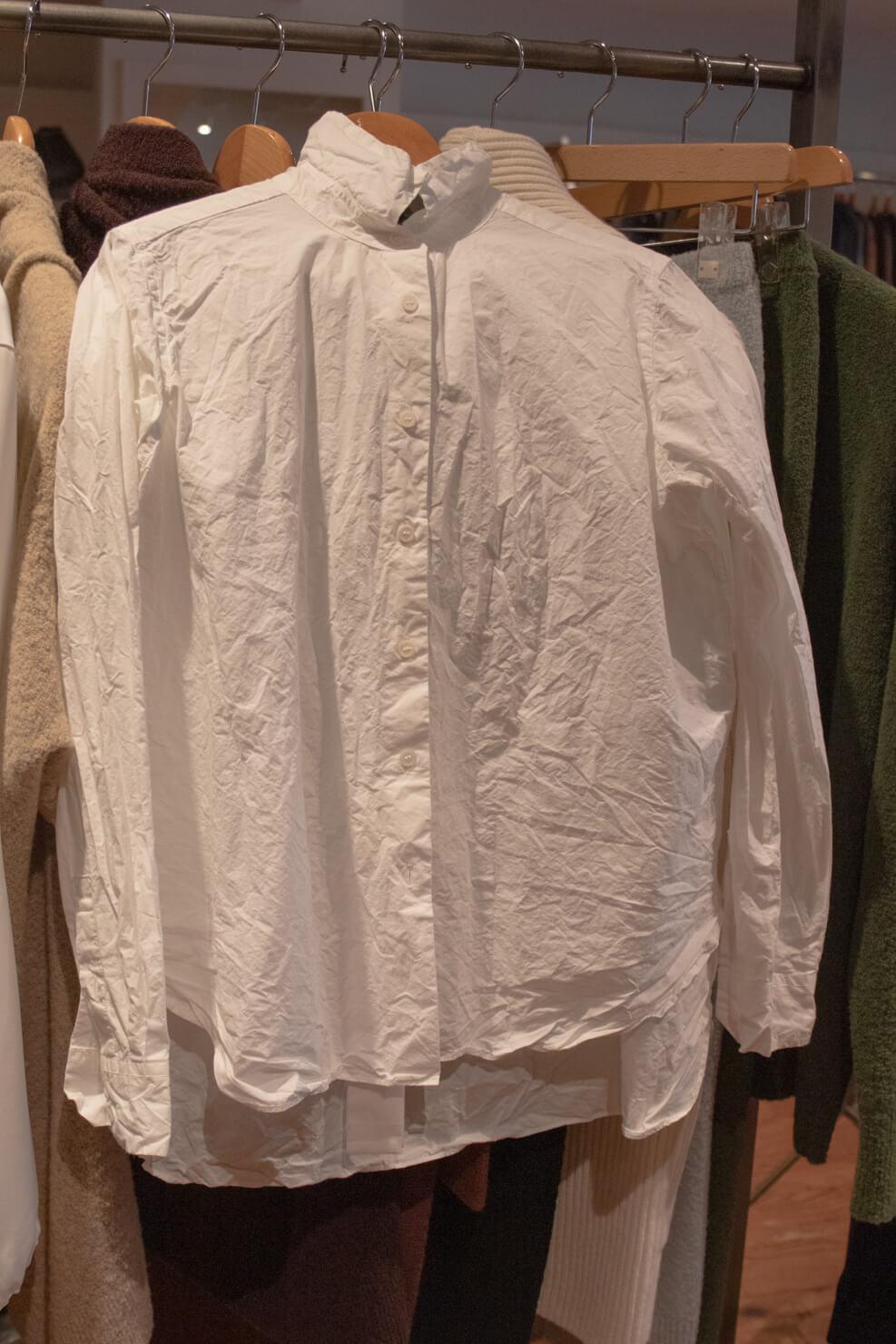 シワ加工がなステキなペーパーコットンのシャツの写真