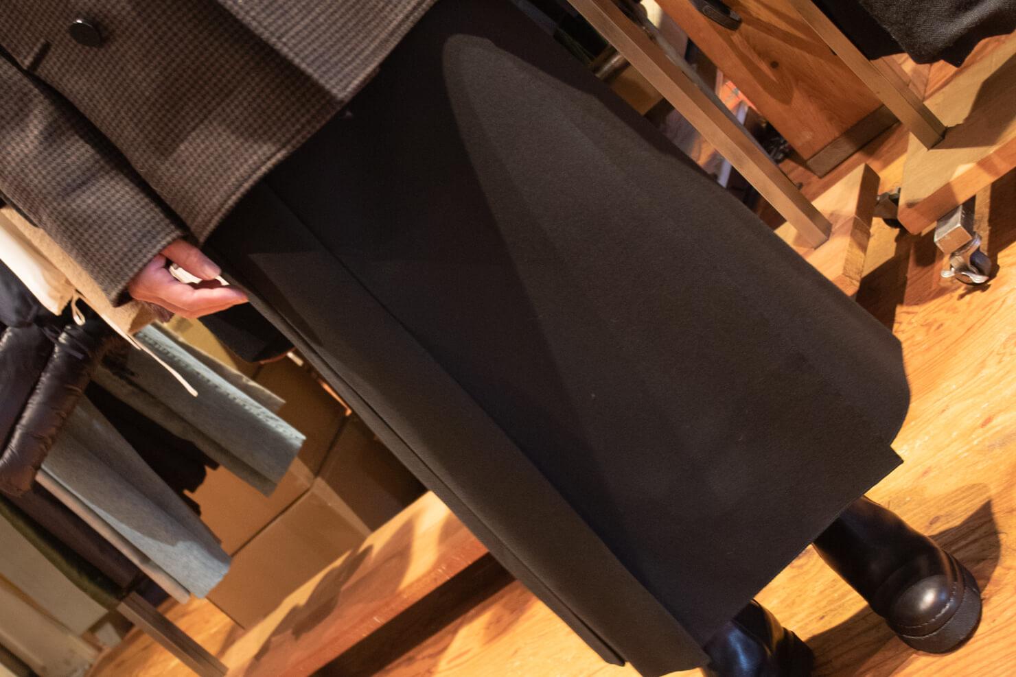 スタジオニコルソンスカートを前から見た写真