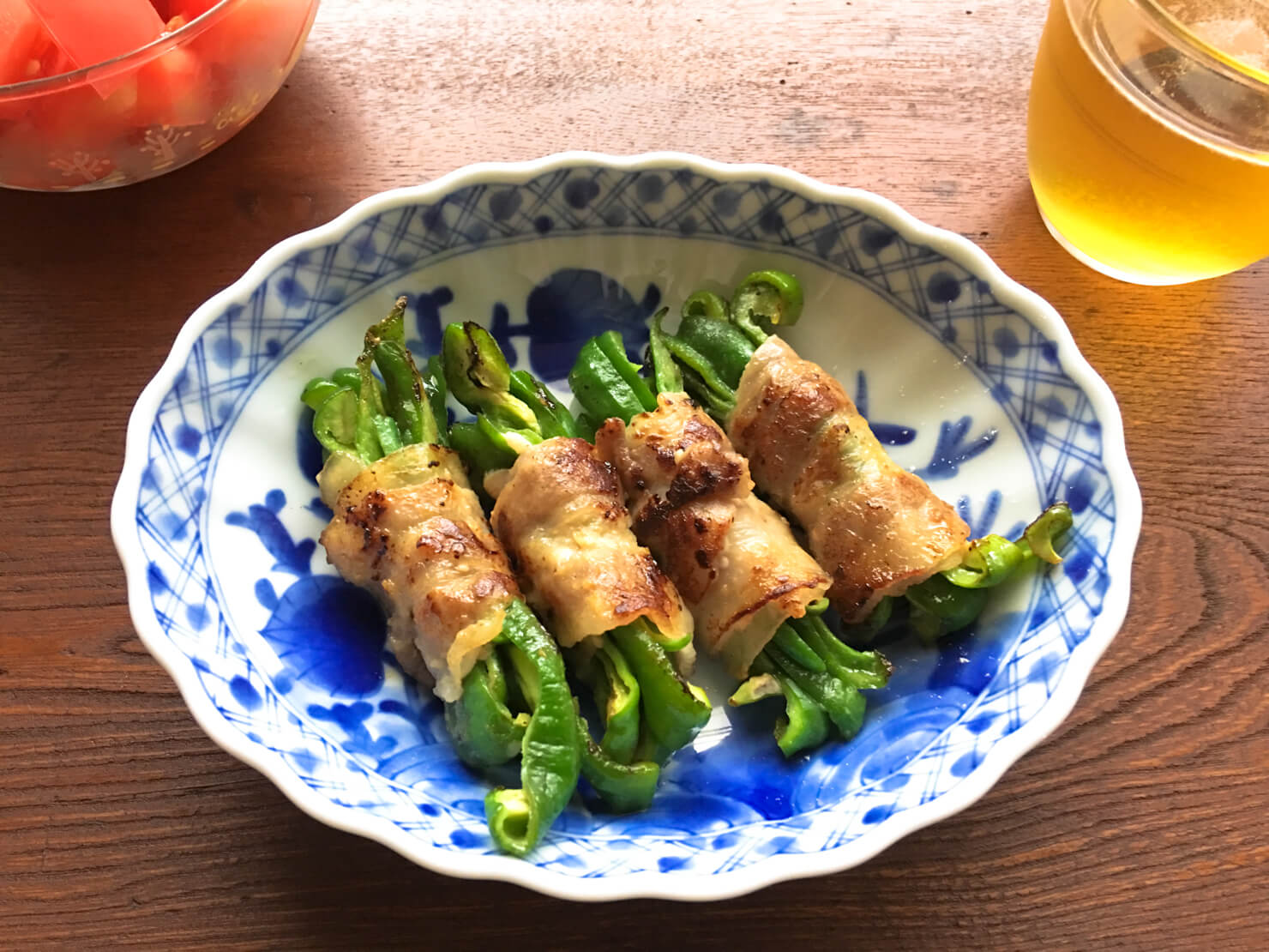 生ピーマンの豚肉塩麹漬け巻き焼きの写真