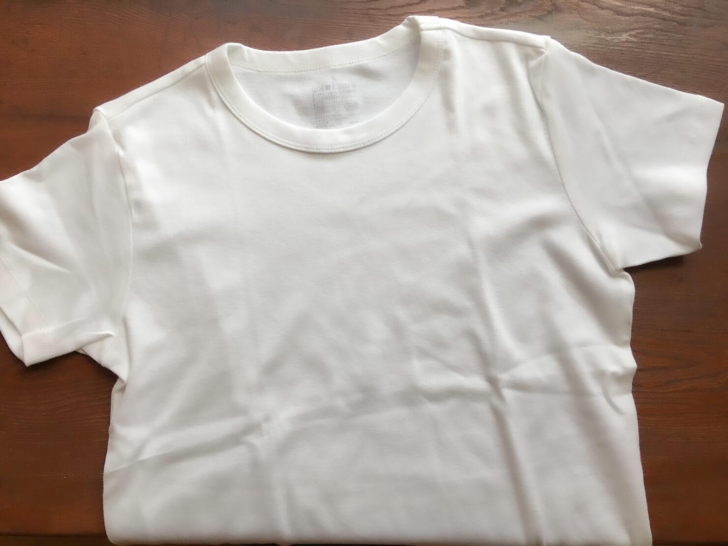 無印良品の白のTシャツの写真