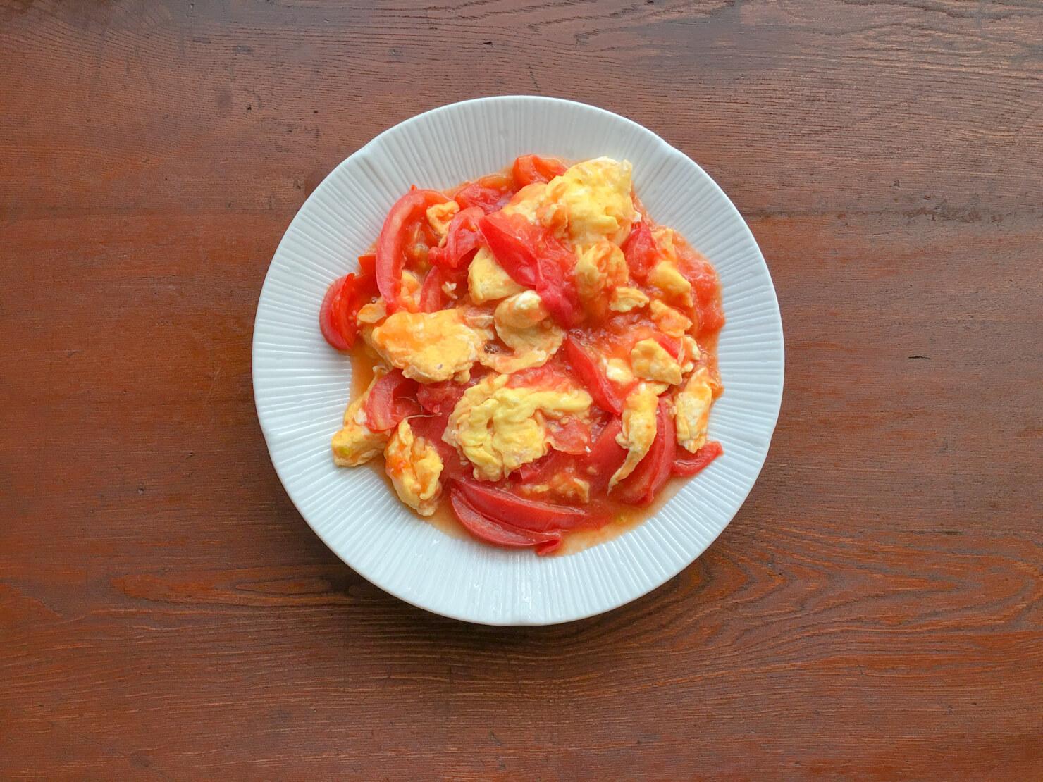 トマトと卵の炒め物の写真