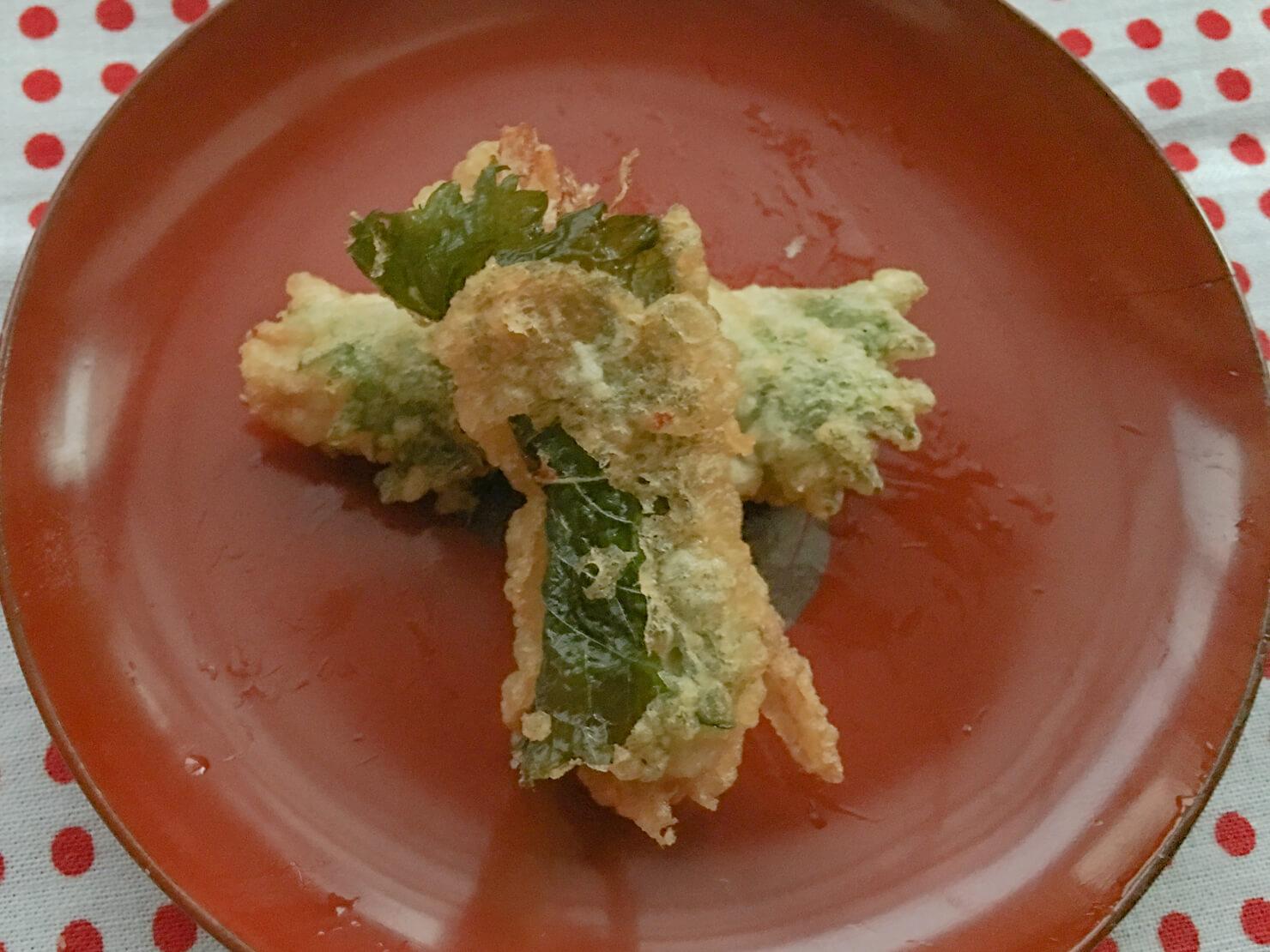 新生姜の大葉巻き揚げの写真