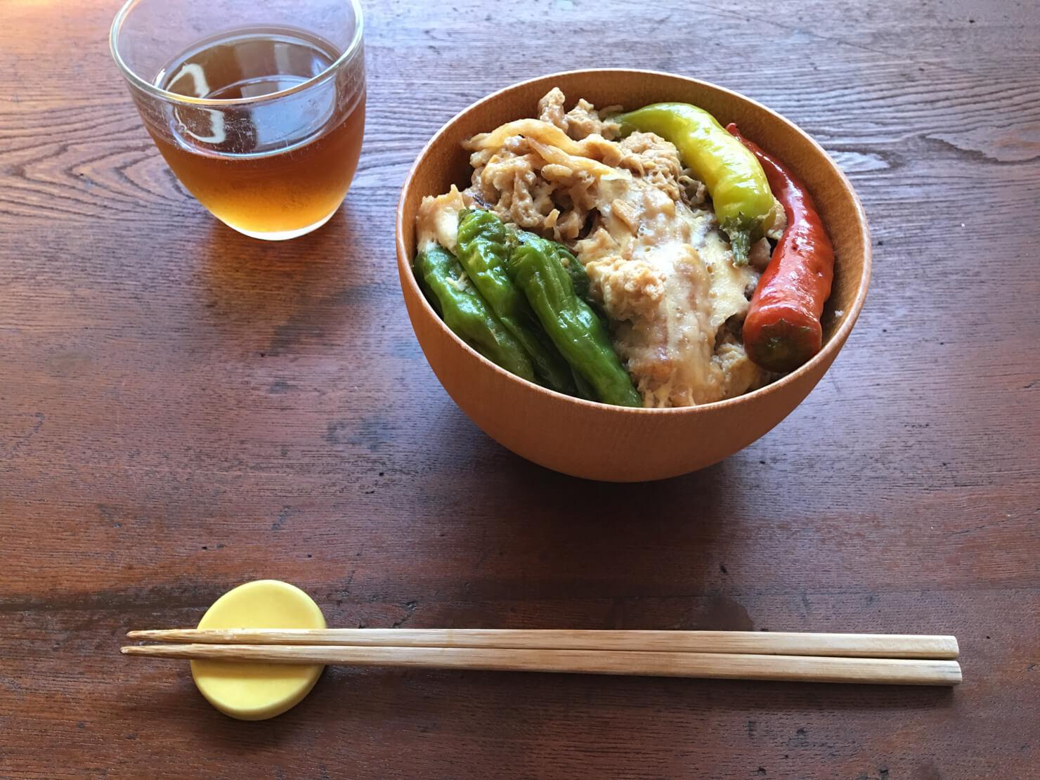 新生姜の天ぷらの天とじ丼の写真