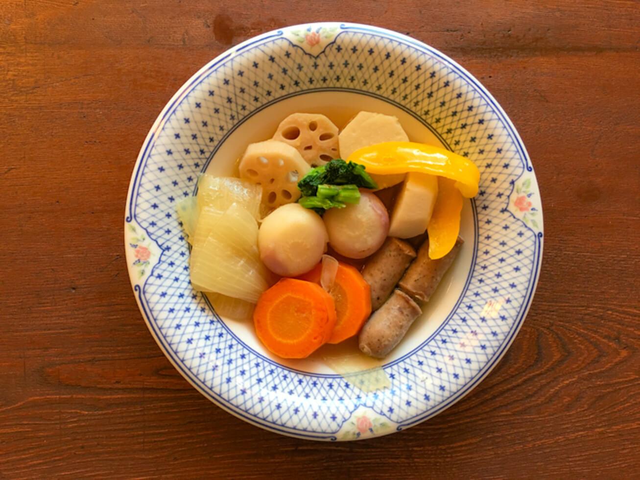 あやめ雪かぶといろいろ根菜のポトフの写真