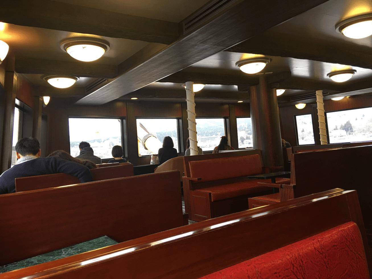 海賊船の船内の写真