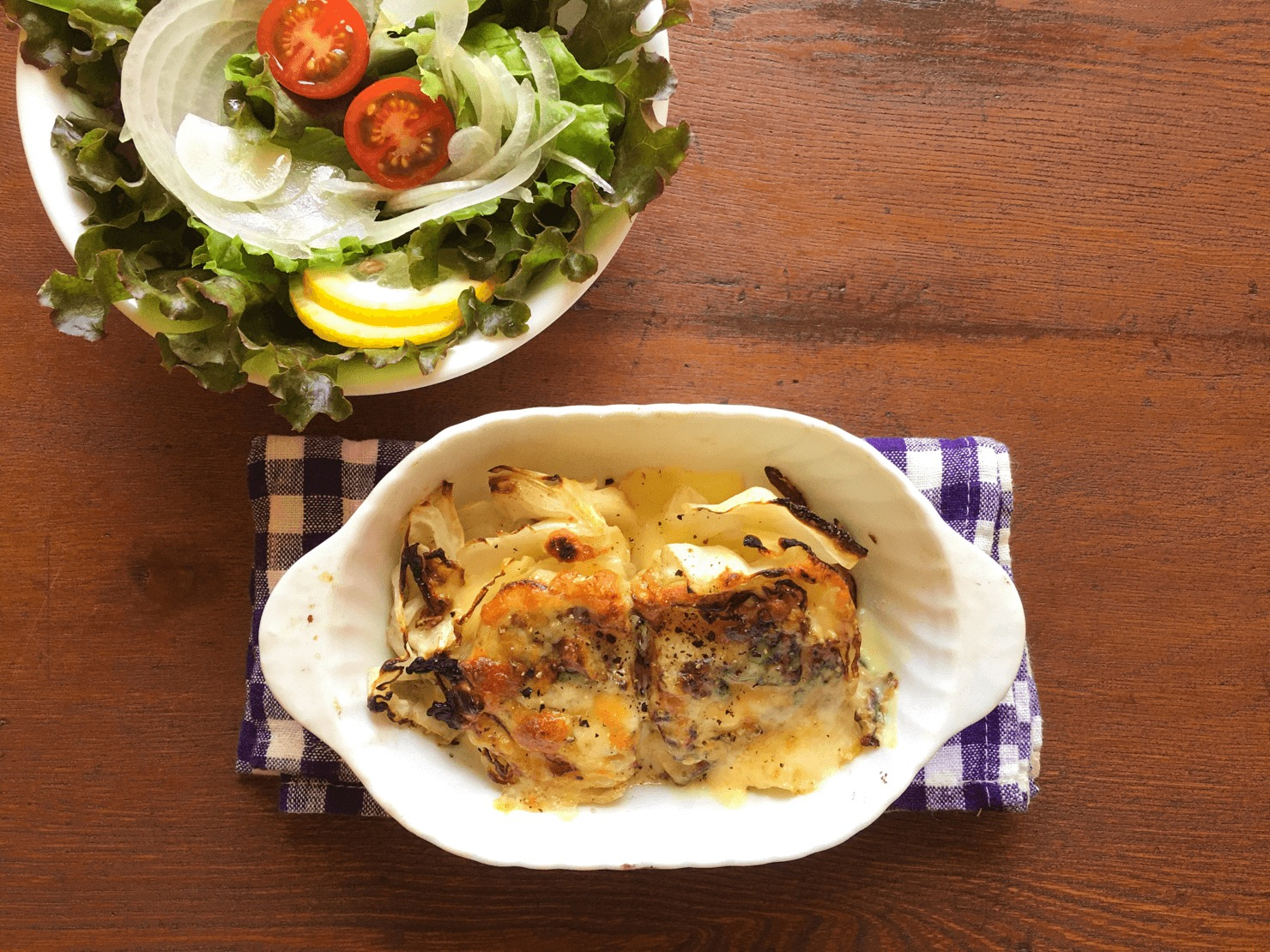フライパンと魚焼きグリルで作るキャベツステーキの写真