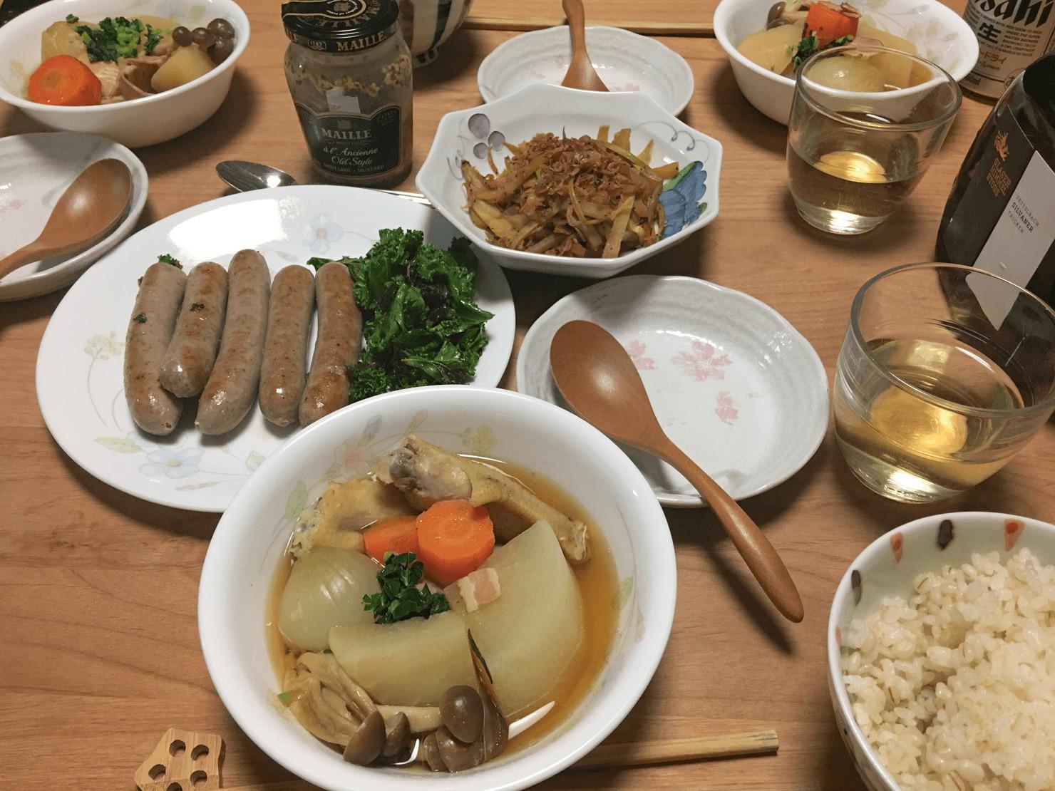 コールラビのポトフ中心の夕食の写真