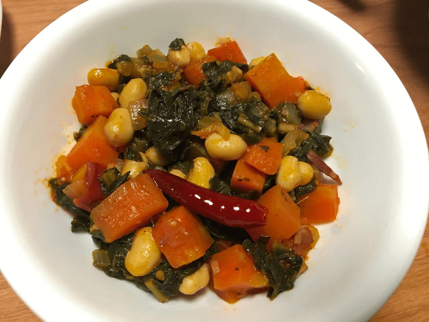 カーボロネロと豆の煮込みの写真