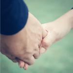 50代夫婦はスキンシップでオキシトシン増大!ワンタッチで2人ともストレスにも強くなれる! |ゴニョ研