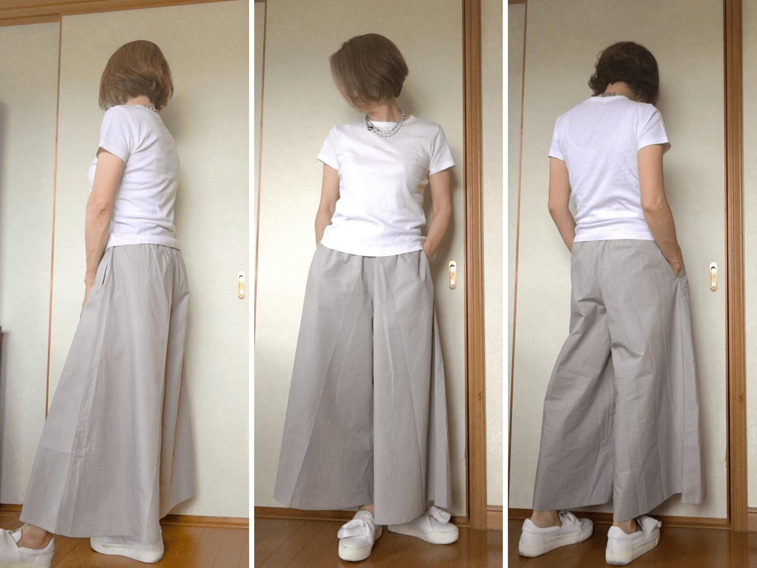白いTシャツとワイドパンツのコーディネートの写真