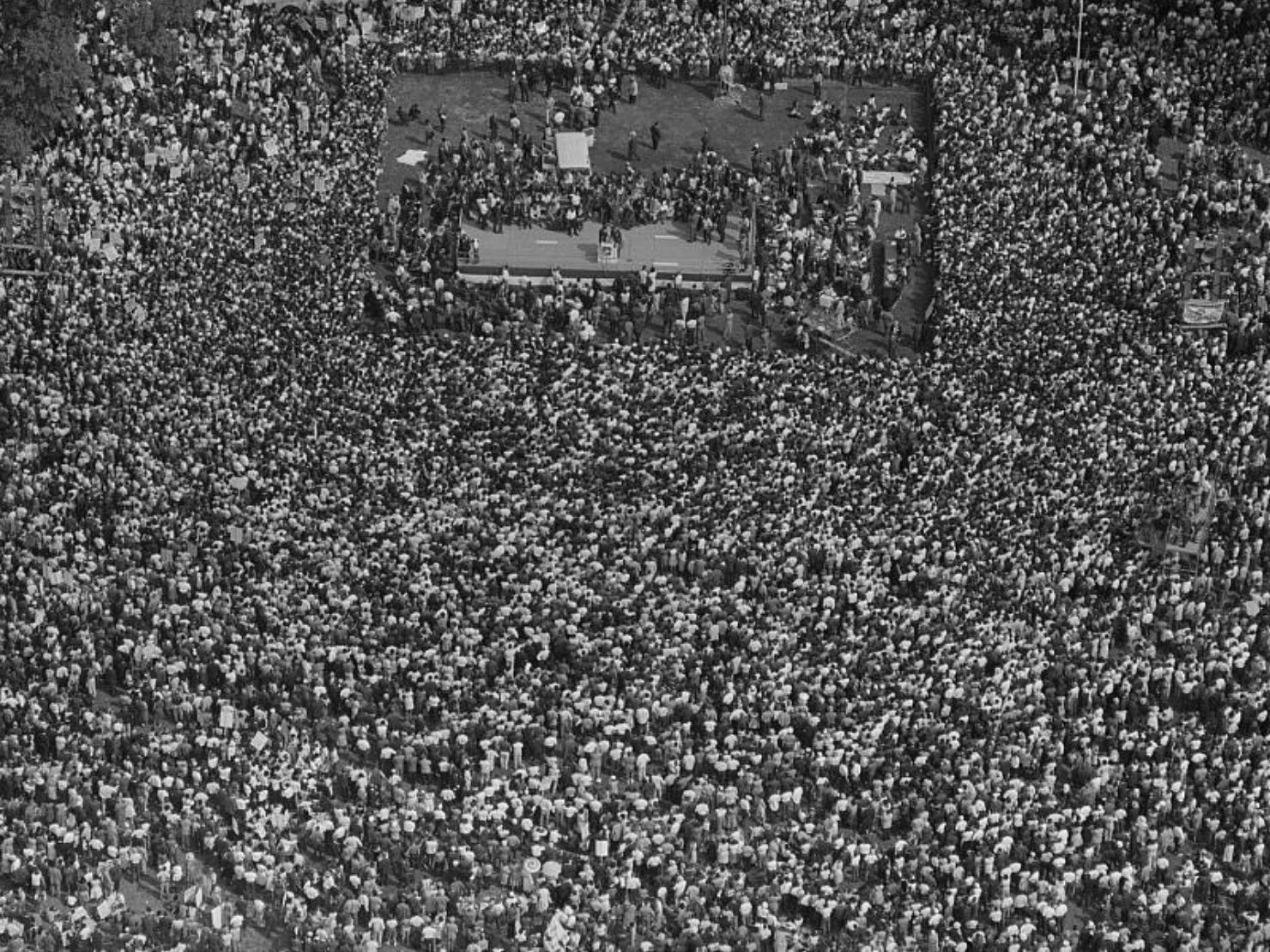 ワシントン大行進の大群衆の写真