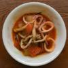 冬瓜とイカのトマト煮の写真