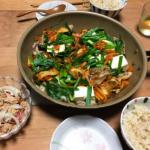 豚バラキムチにら豆腐焼きの写真