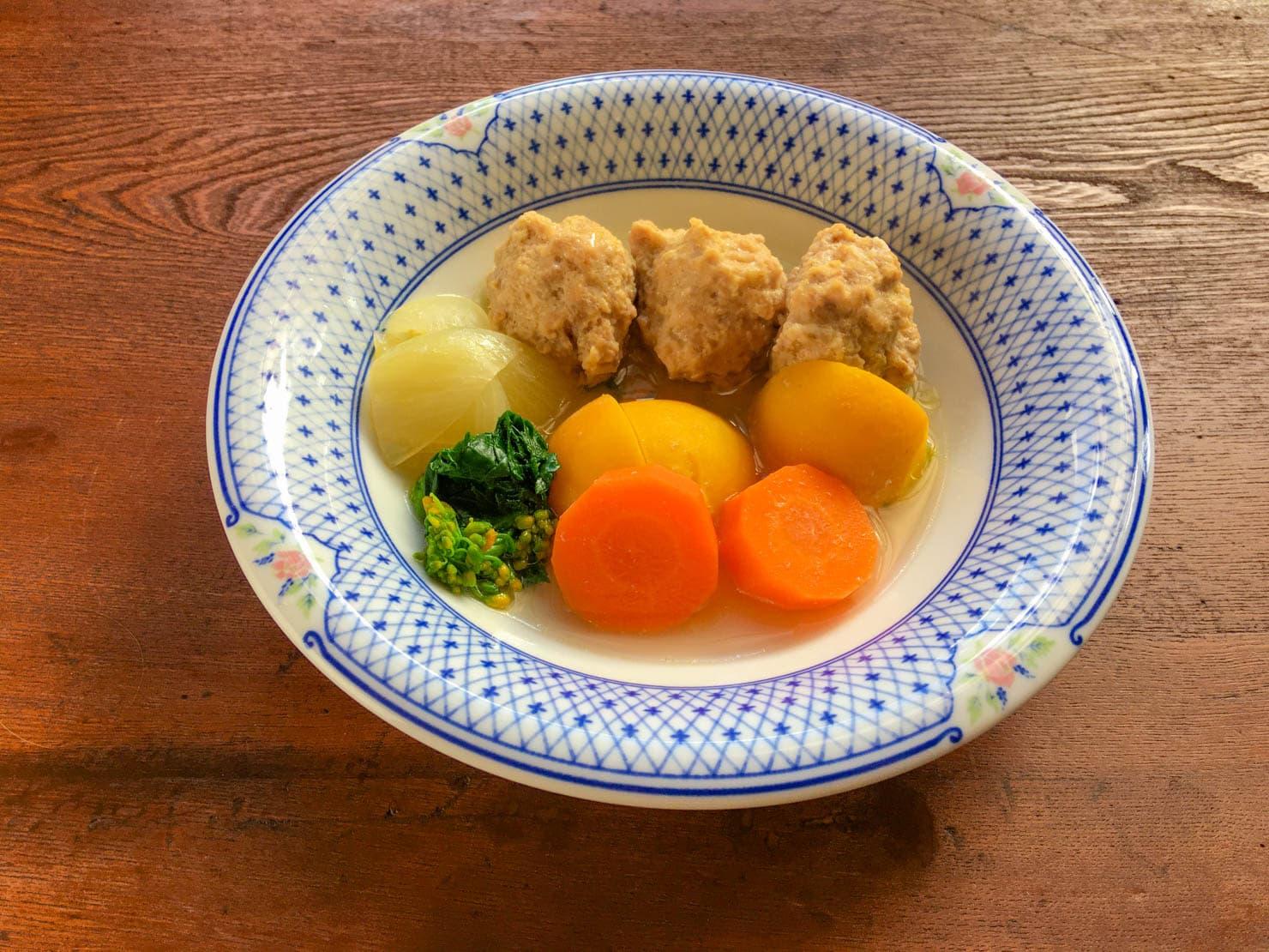味黄金かぶと鶏団子のスープ煮の写真