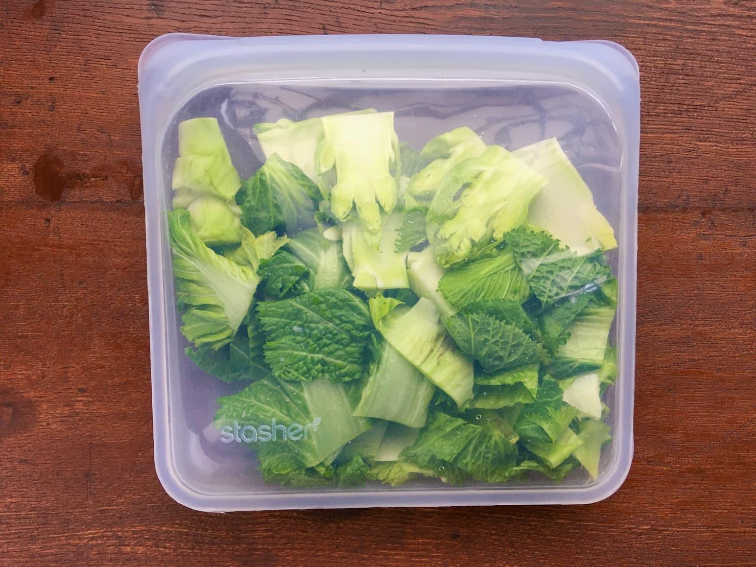 子持ち高菜を保存袋に入れたところの写真
