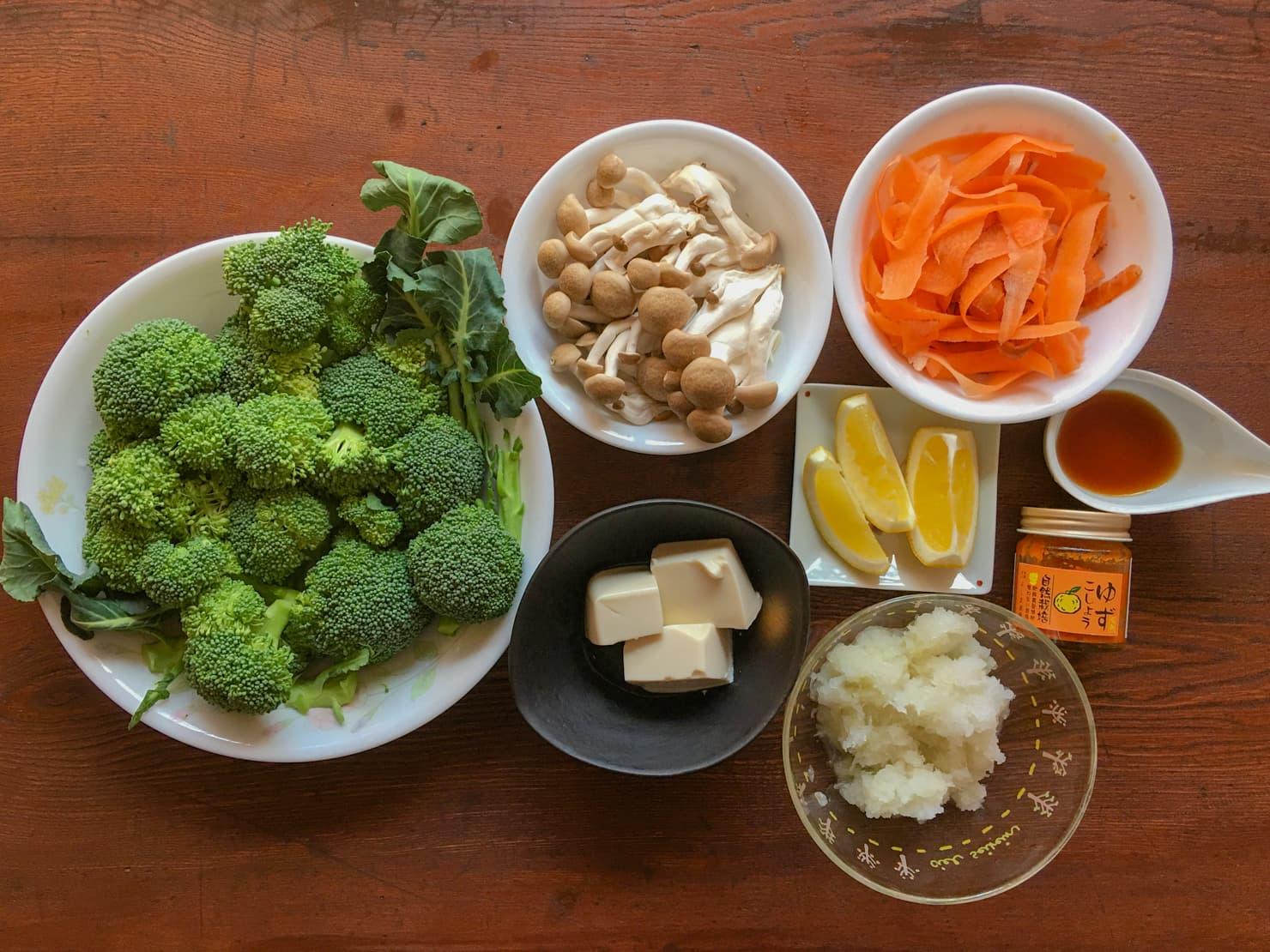 ブロッコリーの鍋の材料の写真