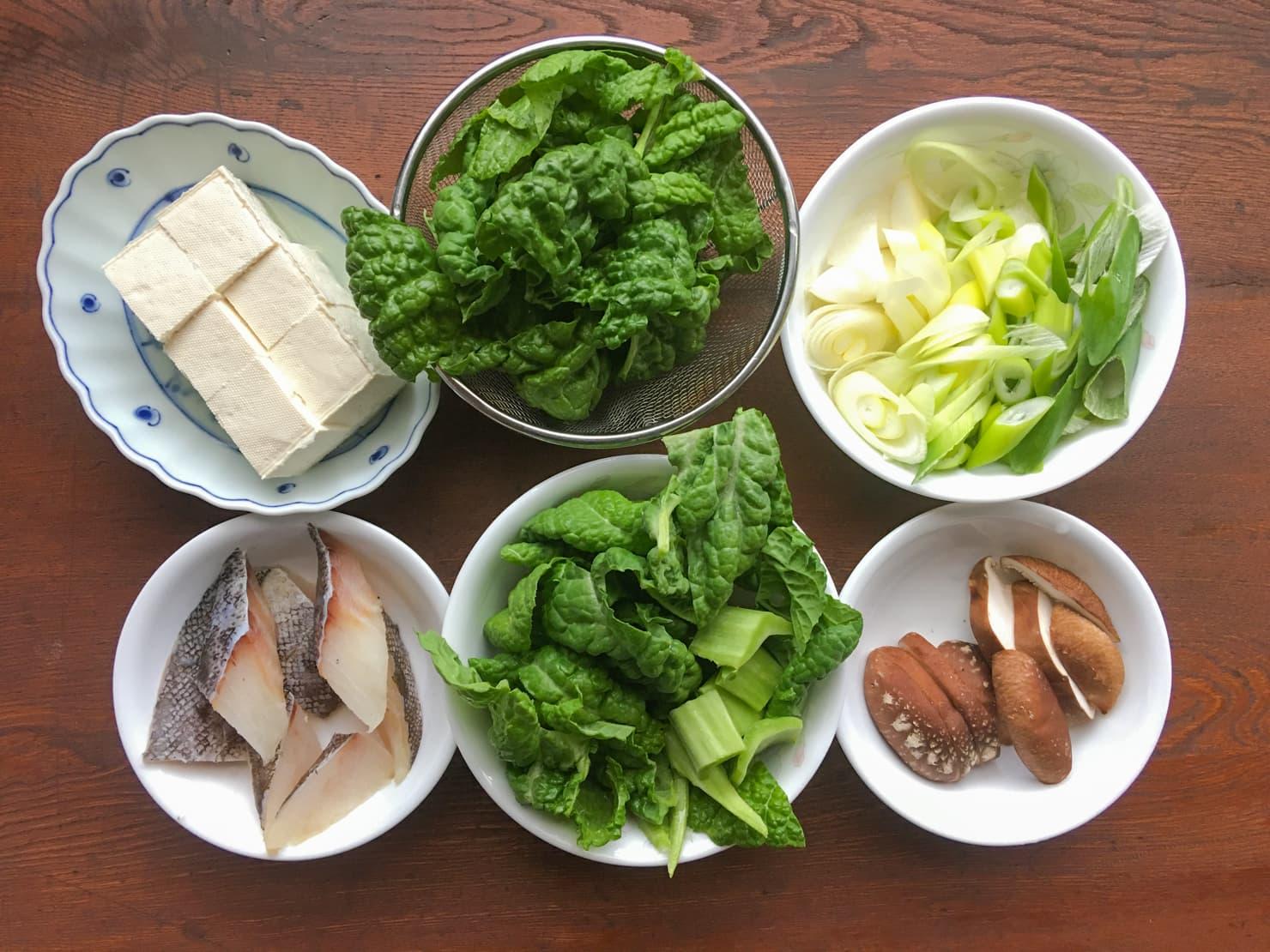 かつお菜とたらの鍋の材料の写真