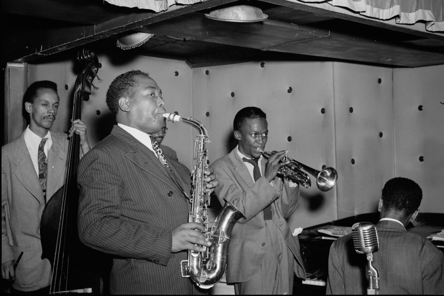 マイルス・デイビスとチャーリー・パーカーのジャズバンドの写真
