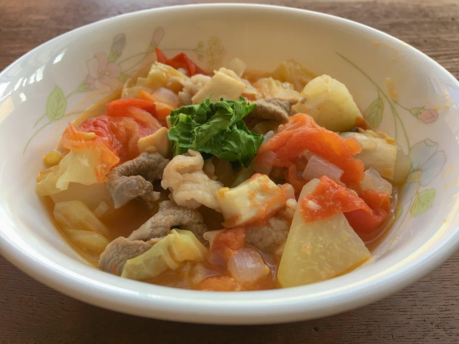 コールラビのスープの写真