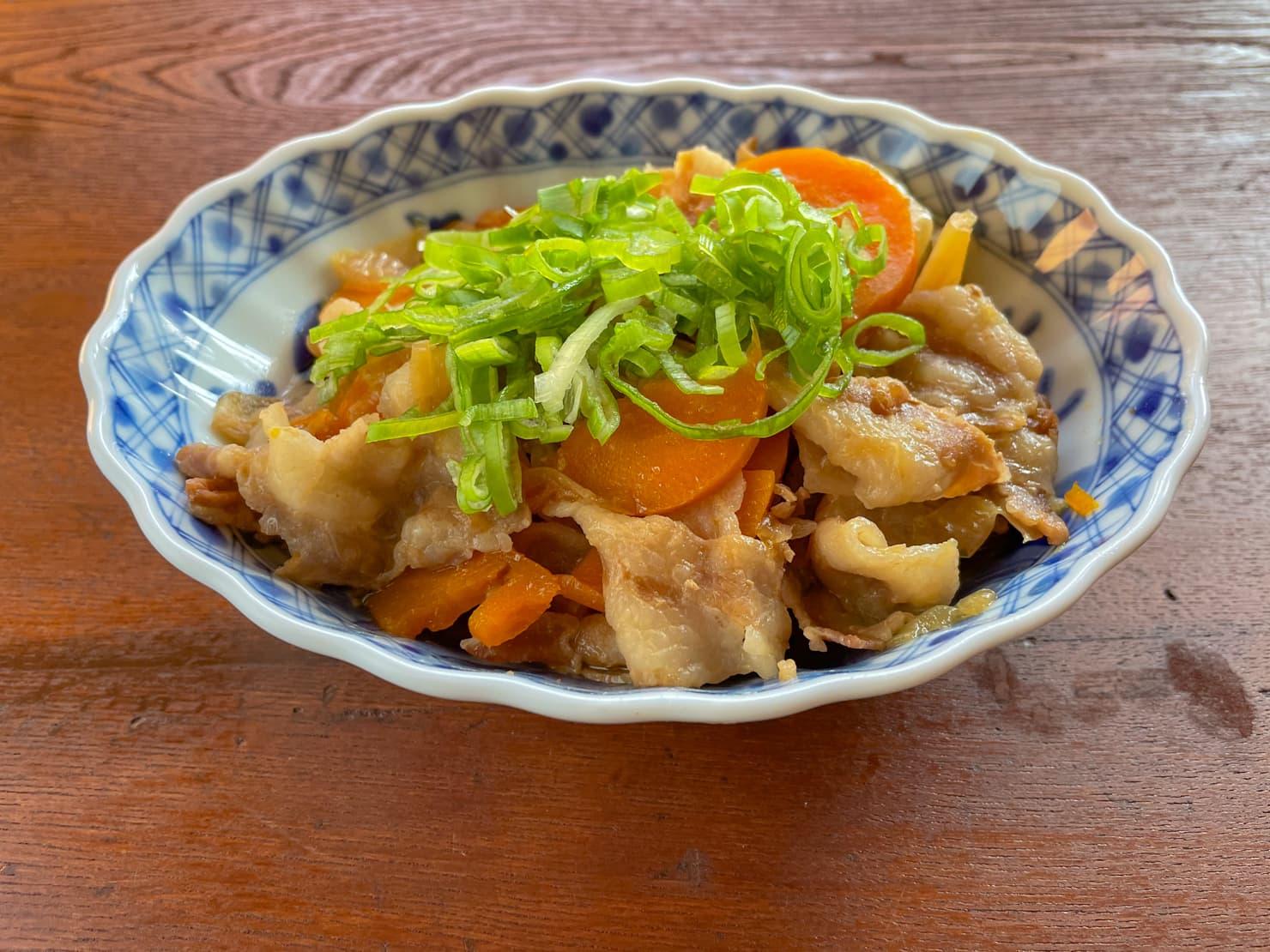 キャベツと豚バラの煮物の写真